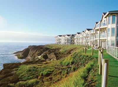 Beautiful beachfront resort at Depoe Bay Oregon
